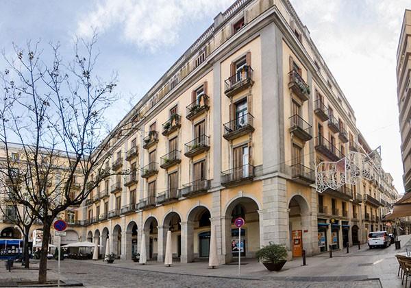 """Nou disseny web i fotografia per a GRUP HOMS de Girona"""